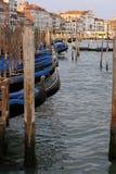 Canaleta de água em Veneza fotografia de stock royalty free