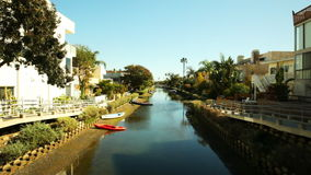 Canali di Venezia a bassa marea stock footage