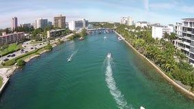 Canali navigabili nella vista aerea di Boca Raton Florida video d archivio
