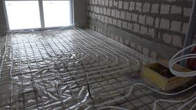 Canalisations de chauffage sur le plancher d'intérieur Salles sans murs Syst?me de rendement optimum clips vidéos
