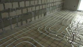 Canalisations de chauffage sur le plancher d'intérieur Syst?me de rendement optimum Salles sans murs banque de vidéos
