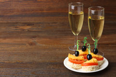 Canapés и шампанское Стоковая Фотография RF