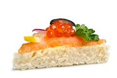 Canape con el caviar rojo Fotos de archivo