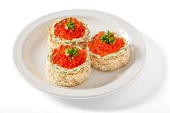 Canape mit rotem Kaviar Lizenzfreie Stockfotografie