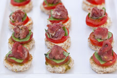 Canapes de Carpaccio Photo stock