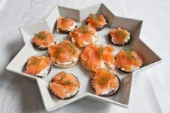 Canapes Salmon fumados imagens de stock