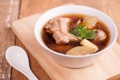 Canard avec la soupe à chaux Photographie stock libre de droits