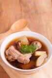 Canard avec la soupe à chaux Photo stock