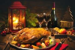 Canard de Noël de rôti avec des pommes Photographie stock