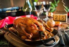 Canard de Noël de rôti avec des pommes Photos stock