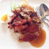 Canard de rôti au-dessus de riz images libres de droits