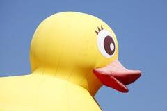 Canard en plastique jaune Photographie stock