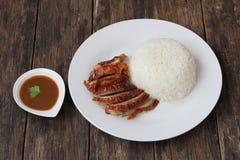 Canard rôti avec du riz cuit à la vapeur images libres de droits