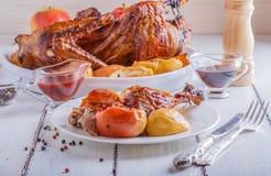 Canard rôti avec des pommes Photo libre de droits