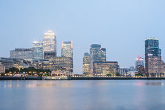 Canary Wharf bis zum Nacht, London Stockfoto