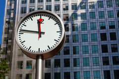 Canary Wharf clock and skyscrapers in the financial center of Lo Royalty Free Stock Photos