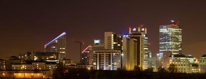 Canary Wharf-nachtscène Stock Afbeeldingen