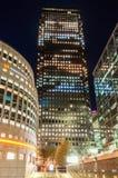 Canary Wharf och de Thomson Reuters byggnaderna Royaltyfri Fotografi