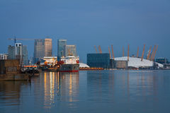 Canary Wharf und Nord-Greenwich. Stockfotos