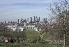 Canary Wharf - une vue du parc de Greenwich, temps ensoleillé Images libres de droits