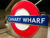 Canary Wharf-Untertagezeichen, London Stockbild