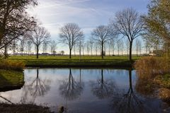 Canaux d'Amstelveen, temps d'automne image stock