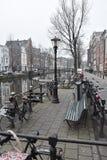 CANAUX D'AMSTERDAM promenade à Amsterdam photographie stock libre de droits