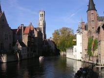 Canaux de beau Bruges. Image libre de droits