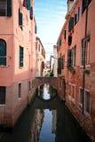 Canaux de Venise pendant le jour Photos stock