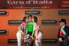 Canazei, Italia 24 de mayo de 2017: Pierre Rolland Cannondale-Drapac Pro Cycling Team, en el podio imagen de archivo