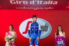 Canazei, Italia 24 maggio 2017: Fernando Gaviria sul podio Immagine Stock Libera da Diritti