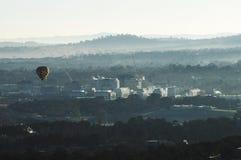 canberra morgon över Arkivfoton