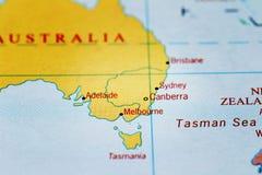 Canberra, sydney, melbourne, adelaide och Australien på översikt Royaltyfri Bild