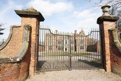 Cancelli dell'entrata del palazzo Fotografie Stock