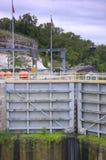 Cancelli della diga e della serratura chiusi Fotografia Stock Libera da Diritti