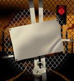 Cancello con l'insegna Immagine Stock