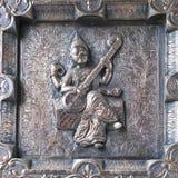 Cancello d'argento con la statua Fotografia Stock Libera da Diritti