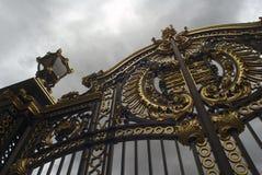 Cancello del Buckingham Palace Fotografie Stock Libere da Diritti