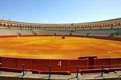 Cancello di numero 4 al grande bullring in Siviglia Spagna Fotografie Stock