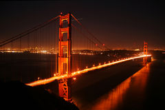 Golden gate bridge alla notte Fotografia Stock Libera da Diritti