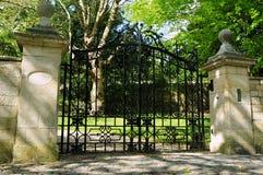 Cancello e strada privata Fotografia Stock Libera da Diritti