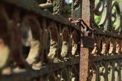 Cancello Locked fotografie stock