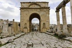 Cancello romano della città nel jerash Immagini Stock Libere da Diritti