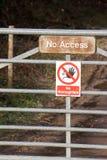 Cancello senza il segno di accesso fotografia stock libera da diritti