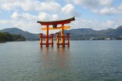 Cancello shintoista del santuario di Itsukushima Fotografia Stock Libera da Diritti