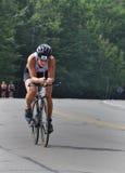 cancerbotslagsmål till den tri triathlonen Royaltyfri Fotografi