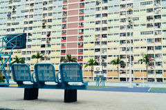 Cancha de básquet colorida en Hong Kong Fotografía de archivo