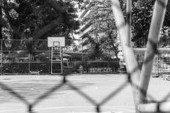 Cancha de básquet de la escuela vieja Fotografía de archivo libre de regalías