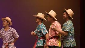 Canciones del arroz de la cosecha, canción para la cosecha del rato del canto del famer tailandés, cultura tailandesa tradicional almacen de metraje de vídeo