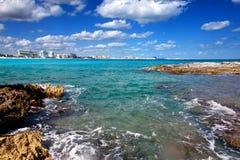 Cancun city.summer i morze kształtuje teren Zdjęcia Stock